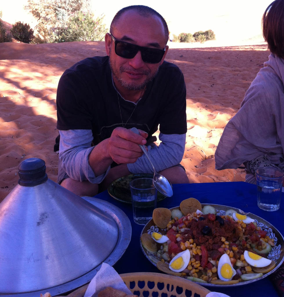 Maître Liu Deming dans le désert marocain, novembre 2017